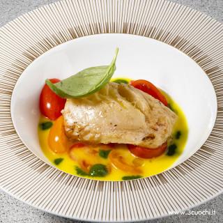 Trancio di merluzzo in brodo di pesce allo Zafferano3 Cuochi