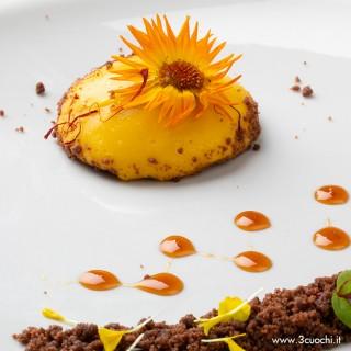 Cremoso allo zafferano e vaniglia con crumble al cioccolato