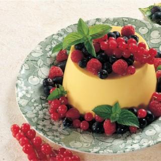 Panna Cotta allo Zafferano con Frutti di Bosco