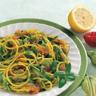 Spaghetti con crema di Avocado allo Zafferano e Zucchine novelle
