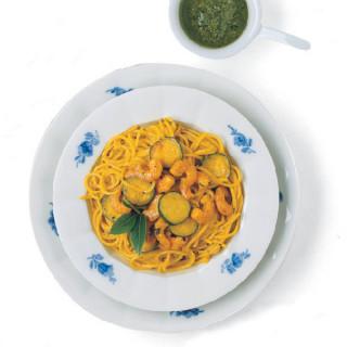 Spaghetti con Gamberetti e Zucchine allo Zafferano