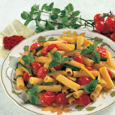 Tortiglioni con Zucchine fritte, Pomodori, e menta allo Zafferano