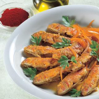 Triglie arrosto con salsa di cipolla allo zafferano