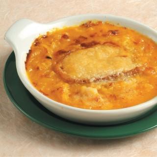 Zuppa di cipolle casereccia